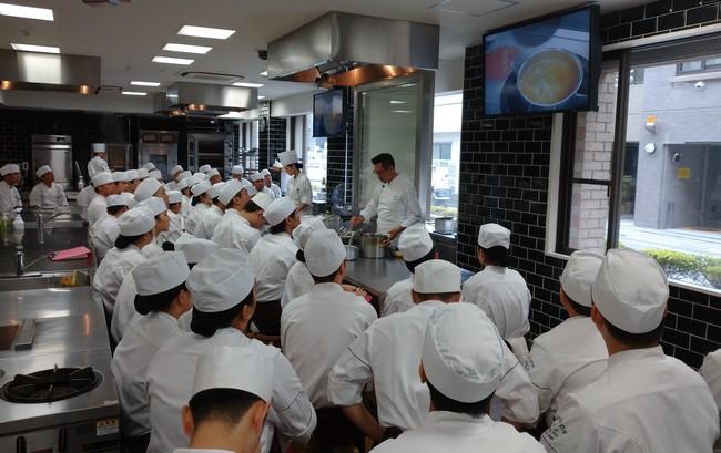 町田調理師専門学校での講義風景